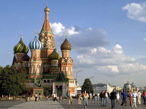 PISMO RUSKE UREDNICE: Draga CIA, naučno je dokazano da se ruska propaganda prenosi seksualnim putem
