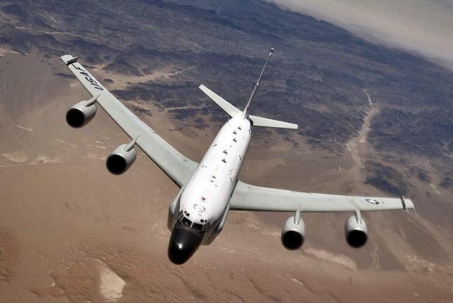 amerika avion rc-135