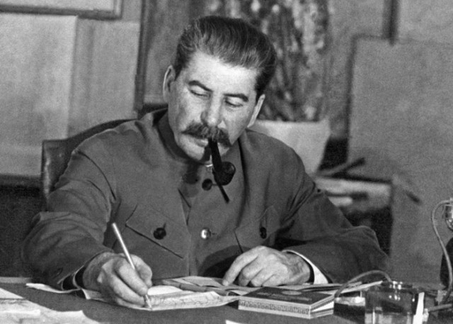 ŠOKANTNE ČINJENICE – Moraće da se napiše nova istorija: Staljin je prokažen samo zbog jedne stvari – ZAUSTAVIO JE MOĆ JEVREJA
