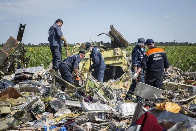 Ko će Englezima da veruje? Rusi oborili malezijski putnički avion, Putin rukovodio operacijom …