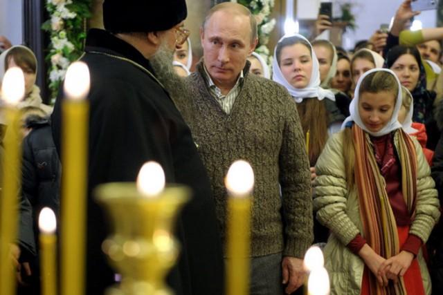 RUSSIA-POLITICS-RELIGION-CHRISTMAS-PUTIN