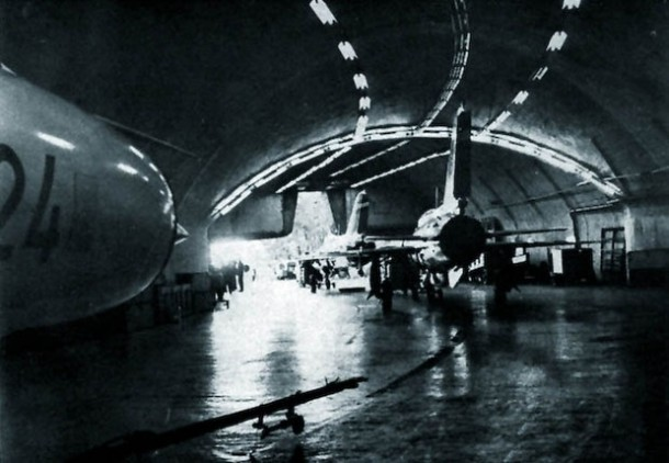 aerodrom zeljava-avion-tito