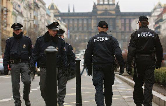 "Haos u Češkoj zbog utakmice s Kosovom: Tuče, dronovi, konjica i ""Kosovo je Srbija"""