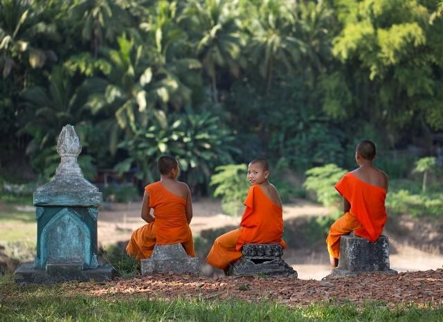 Laos_7_YI_Three-Novice-Monks