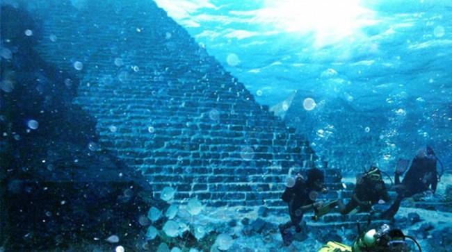 Portugal-podvodna-piramida