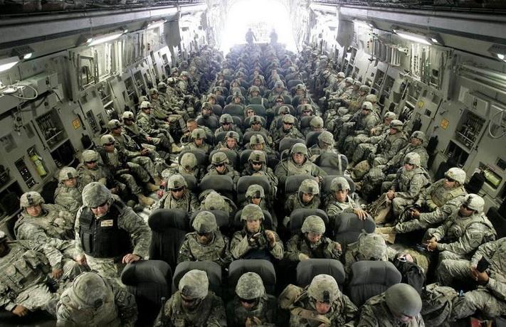 Tramp mobiliše hiljade vojnika pod teškim naoružanjem zbog građanskih nereda