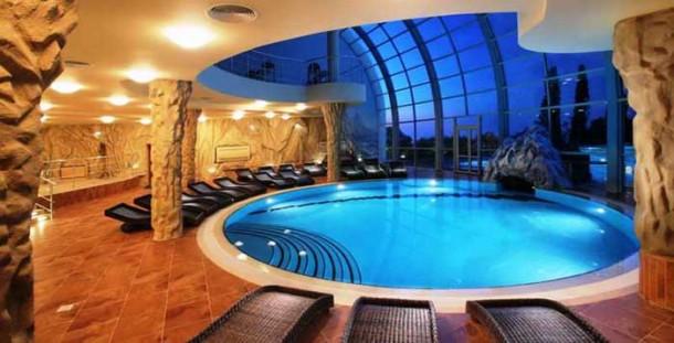 luksuzno-skloniste-bazen