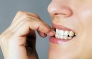 5 bolnih i opasnih posledica grickanja noktiju