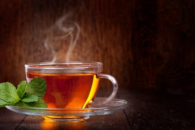 ZAPANJUJUĆE SAZNANJE: Evo kako pijenje vrućeg čaja može da izazove rak