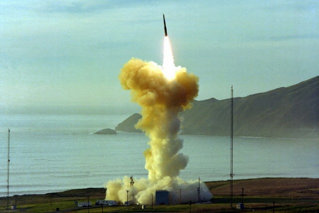 PRETNJA RUSIJI: SAD testirale interkontinentalnu balističku raketu Minuteman III