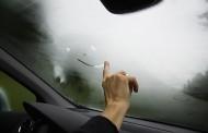 Evo kako na jednostavan način da rešite problem zamagljenih stakala u automobilu – VIDEO