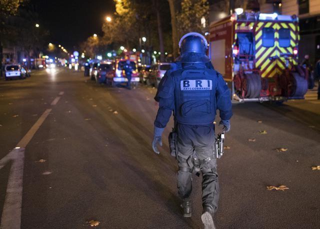 paris france police23