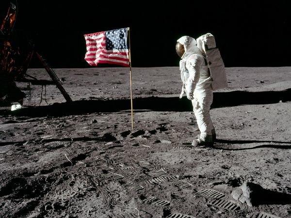 sletanje na mesec
