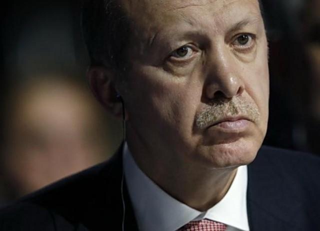 U Siriji je na ivici rata sa Asadom i Rusijom a ulaskom i u Libiju Erdoganov pad je neizbežan