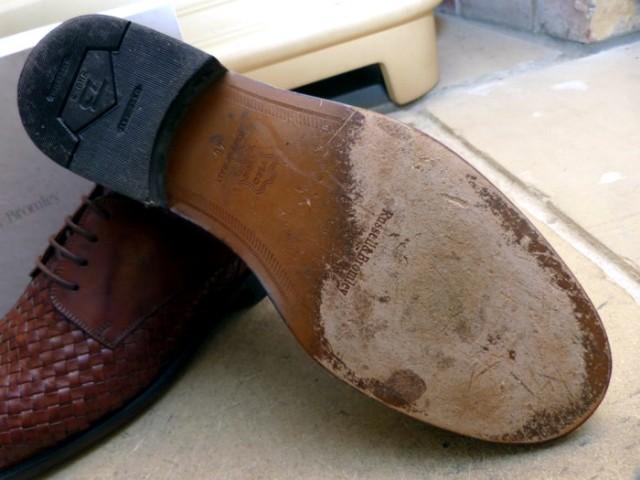 djon cipela obuca peta stopalo