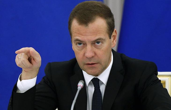"""ŠOK ZA ZAPAD – MEDVEDEV: """"Iduće godine Rusija postaje nezavisna od cena nafte"""""""