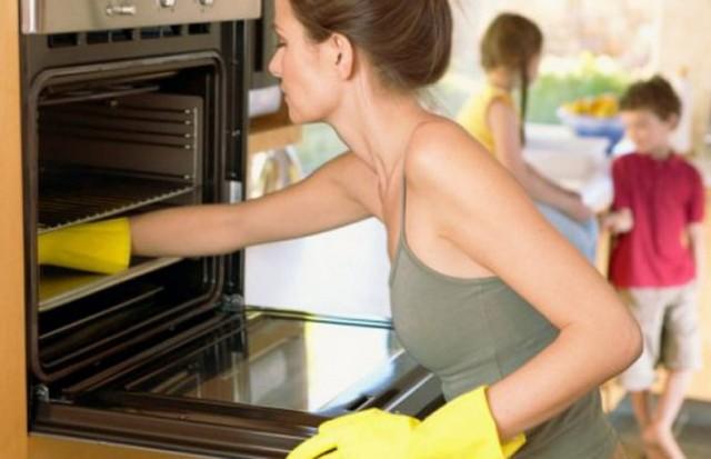 ciscenje kuca rukavice sporet kuhinja