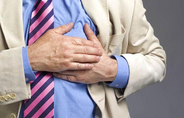 Mesec dana pre srčanog udara, vaše telo će vas upozoriti sa ovih 9 signala