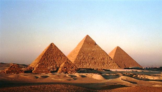 MISTERIJE PIRAMIDA: Fantastične građevine nisu gradili robovi?