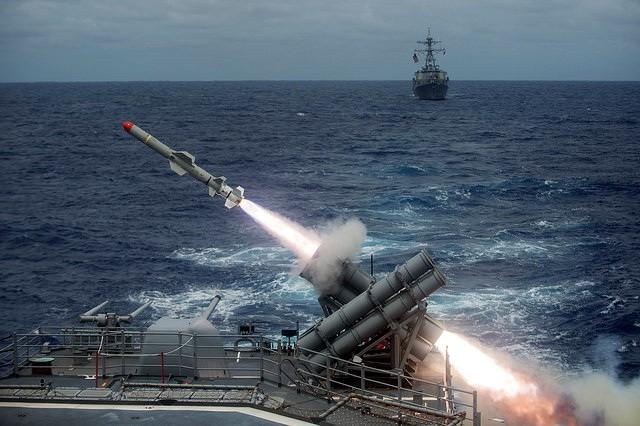 PRITISAK PEKINGA JE NEPODNOŠLJIV – SAD počinju vojno suočavanje sa Kinom