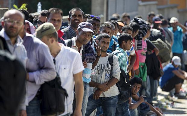 OBRADOVIĆ ŠOKIRAO SRBIJU: Vučić počinje plan da prazna srpska sela naseli migrantima iz Afrike i Azije – EVO ŠTA SE DEŠAVA