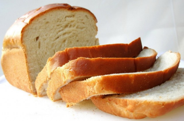 JEDETE LI KANCEROGENI HLEB: Pšenica se pre žetve natapa sredstvom protiv korova