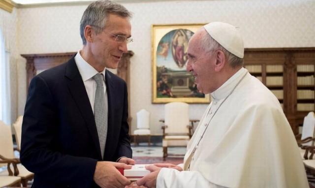 SASTANAK KOJI JE UZDRMAO NATO: Papa na sastanku sa Stoltenbergom nije hteo da podrži NATO i Zapad