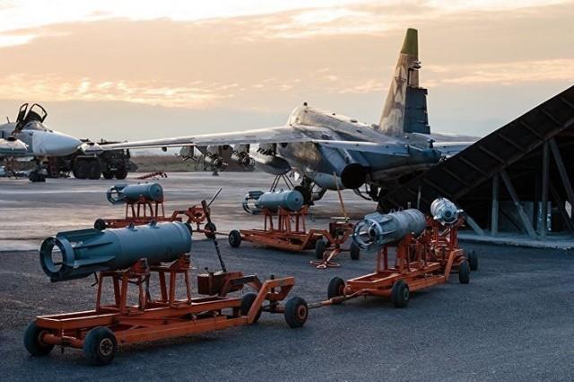 BES U MOSKVI: Nepoznati borbeni avioni pokušali da unište rusku vazdušnu bazu u Siriji