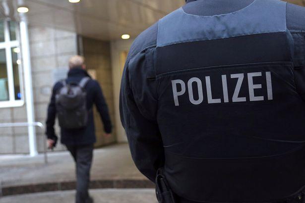 ZASTRAŠUJUĆI SKANDAL U NEMAČKOJ: Berlinske vlasti 30 godina udomljavali decu beskućnika kod pedofila