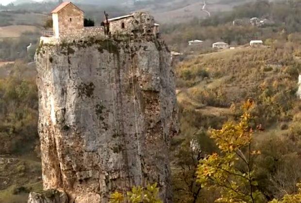 stena-crkva