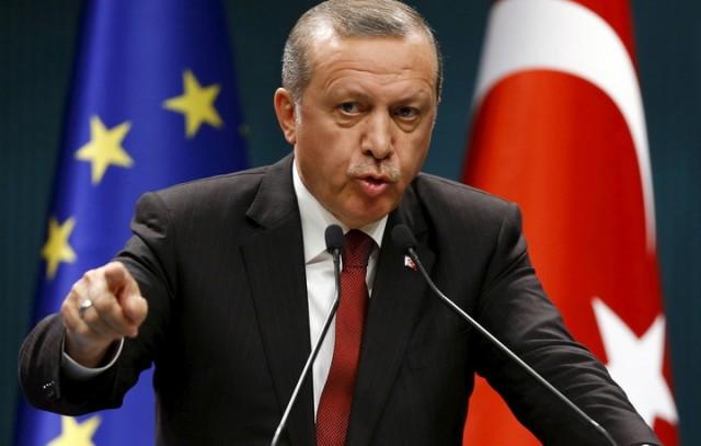 Erdogan bacio Trampovo pismo u kantu