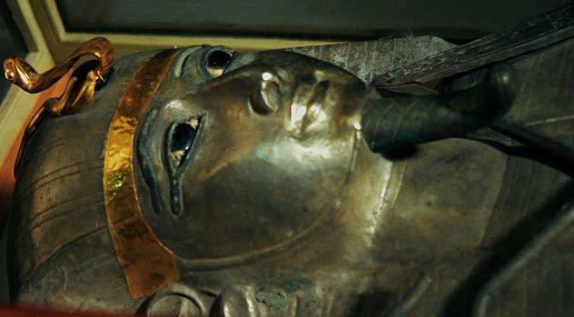 srebrni-faraon