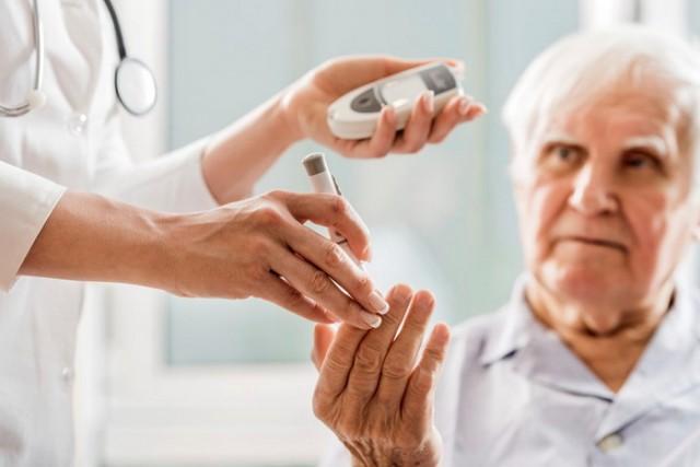 diabetes- lekar- pacijent