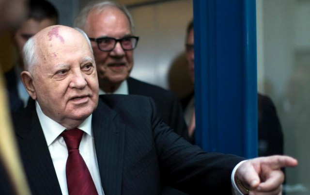 Gorbačov: Svet je na ivici, ovo liči na pravi rat
