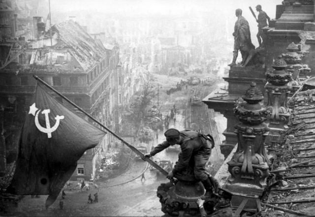 Putin: Ko je jurišao na Berlin, čija zastava se vijorila iznad Rajhstaga?