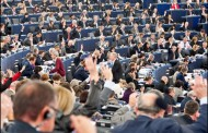 Mnogo smešni i providni režiseri – Evropski parlament: Nastaviti izolaciju Rusije zbog Navaljnog