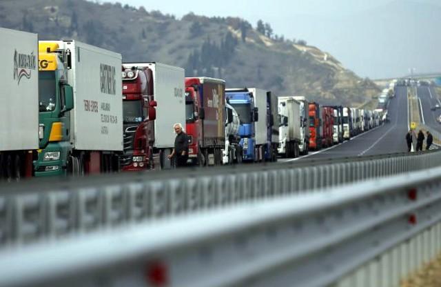 """Srpske kamiondžije pretučene na granici Ukrajine i Rumunije: Tukli nas i vikali """"ovo je Ukrajina"""""""