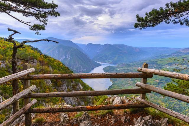 "GOVORILI SU MU DA NE IDE NA BALKAN: ""Srbija je civilizacija, Srbija je čudesna zemlja, ove lepote nikada nisam video"" …"