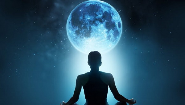 Mesec je ogromni elektromagnet koji vuče sav organski život na Zemlji – LJUDI SU MU HRANA – OVO SE DEŠAVA …