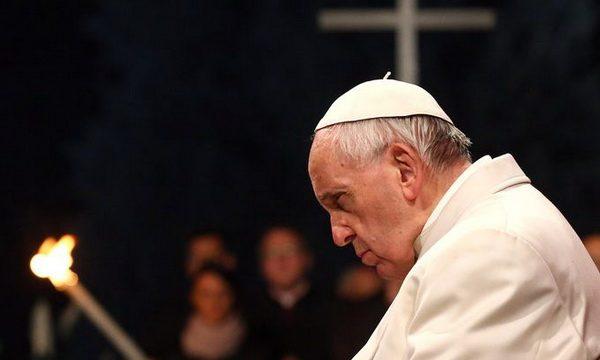 """Papa Franja je objavio kontroverzne planove za prepravljanjem """"Molitve Gospodnje"""", tako da uključuje i Lucifera…"""