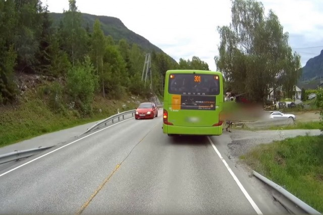 saobracaj autobus