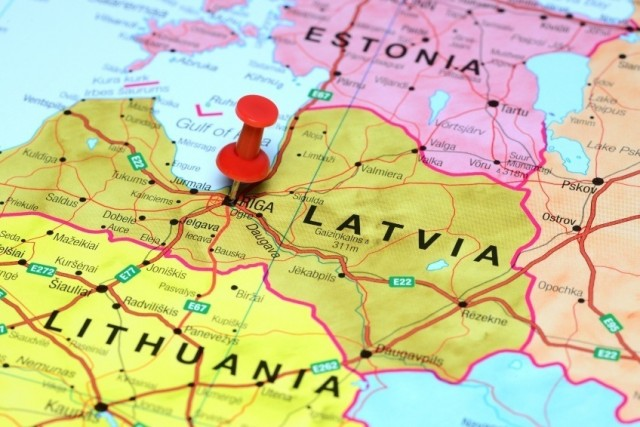 NATERALA IH KORONA – Estonija, Litvanija i Letonija: EU nas ostavila, možda Rusija i nije tako loša kao što kažu …