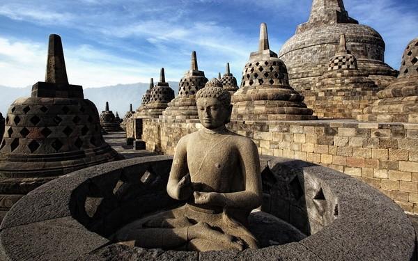 borobudur- hram- indonezija 1