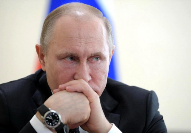 Sve ono što ustvari niko ne zna ZAŠTO: Putin eliminiše frakciju Medvedeva iz Kremlja