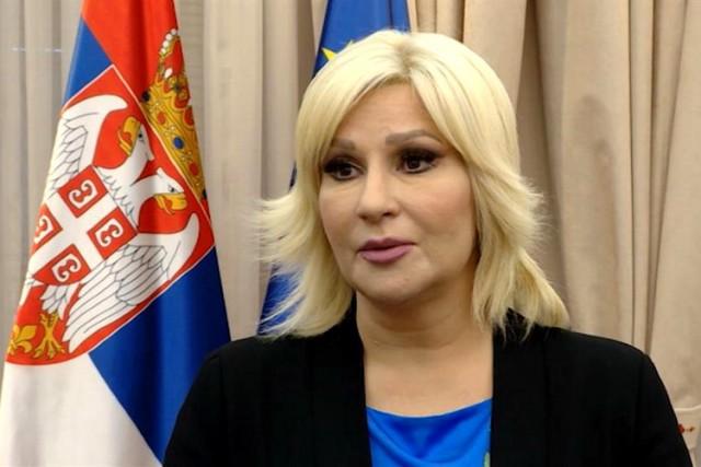 Radikali optužuju ministarku za korupciju i špijunažu … VIDEO
