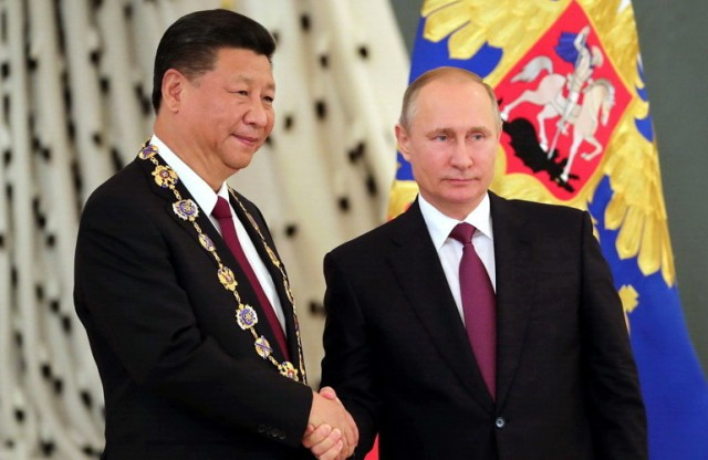 """Nisu ga obavestili da svetom sada vlada rusko-kineska alijansa, pa kaže: """"Rusi se bore za poslednje ostatke moći u Srbiji"""" …"""