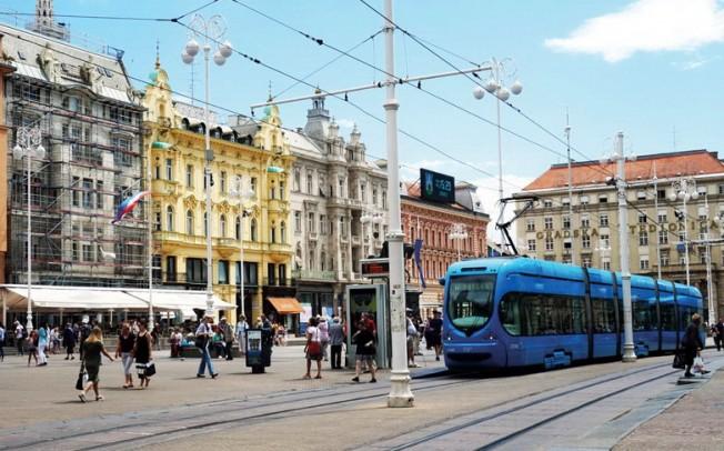 Dveri traže izvinjenje Rusije jer je njen ambasador u Zagrebu obišao Tuđmanov grob – VIDEO