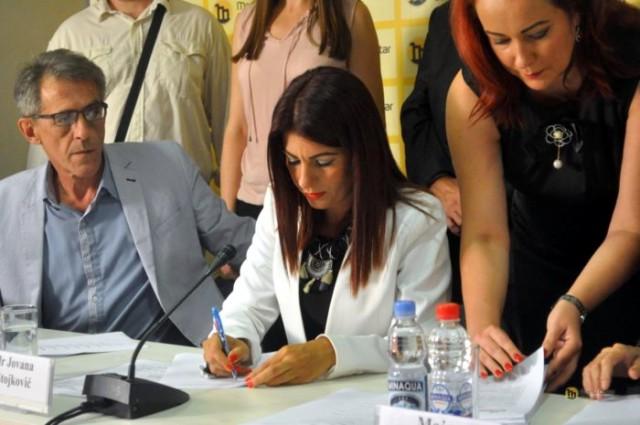 Srbija konačno ima heroinu: Poznata doktorka ulazi u politiku –  OVO SU JOJ CILJEVI