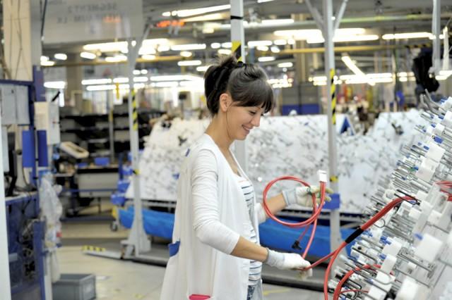"""Svetski gigant """"Leoni"""" otvara četvrtu fabriku u Kraljevu: POSAO ZA 5.000 RADNIKA"""