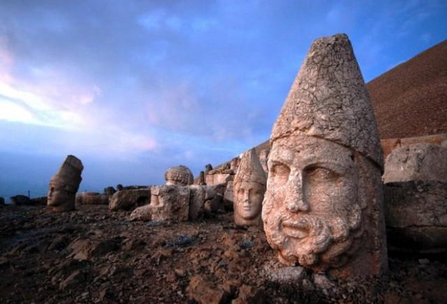 nemrut-dagi turska kipovi2